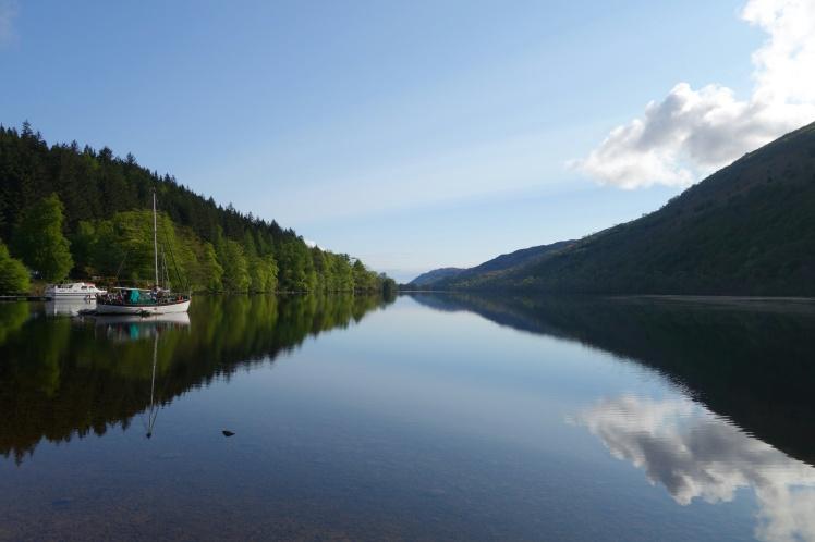 Loch Oich reflections boat-01